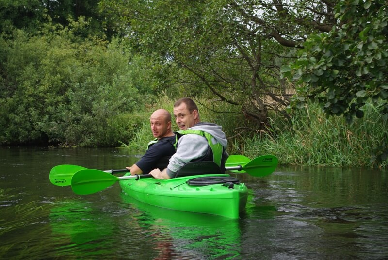 Pierwszy spływ rzeką Grabowa zorganizowany przez firmę KajakKAJAK